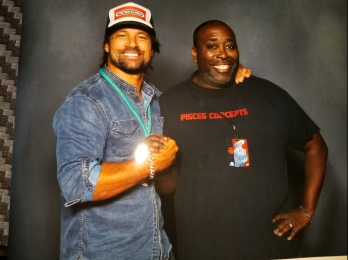 Manu Bennet was a crowd favorite
